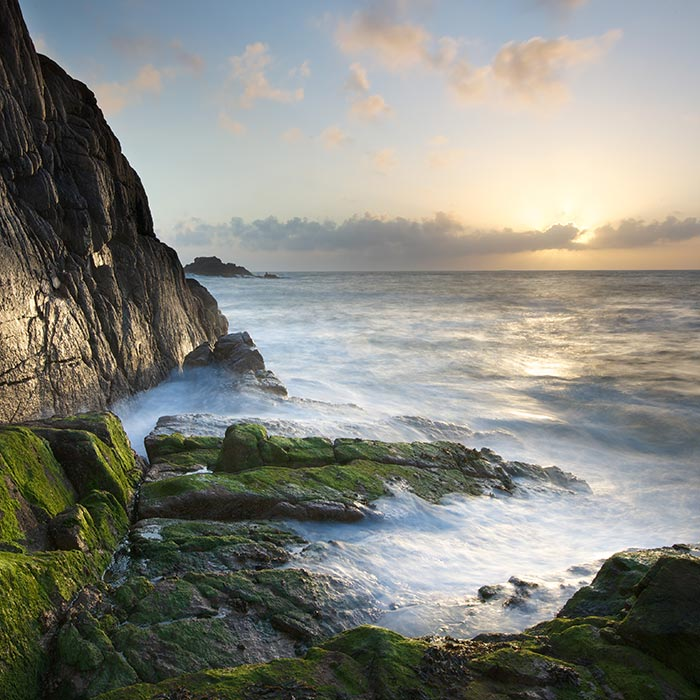 Landscape photo of cliff and ocean