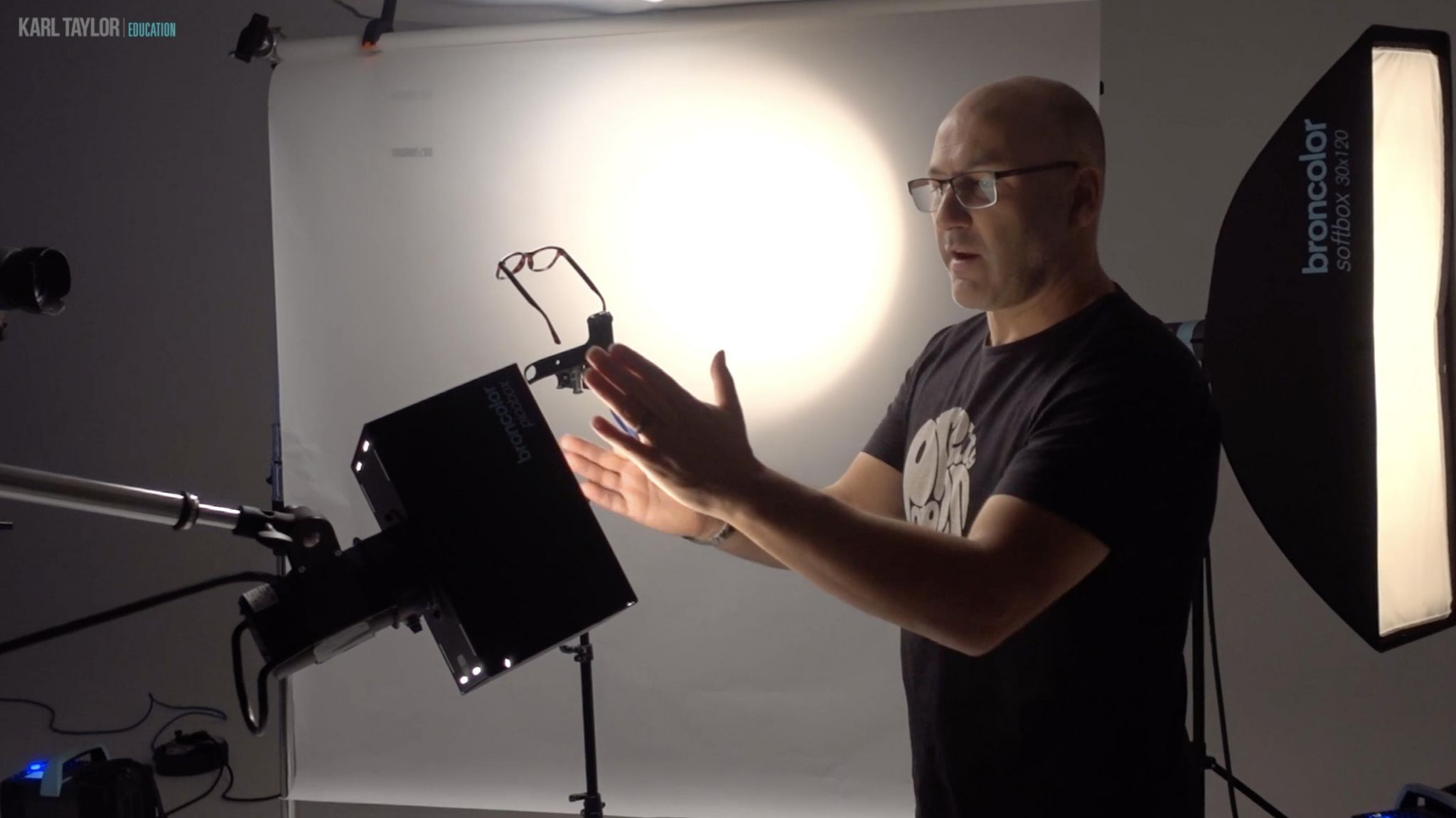 Product photography tutorial: How to photograph glasses using reverse tilt-shift