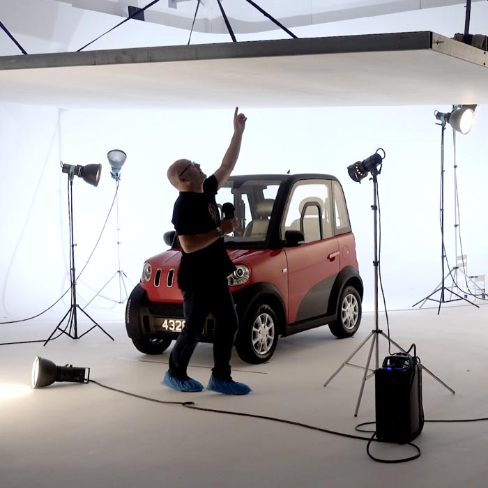 Car photoshoot with ceiling rig