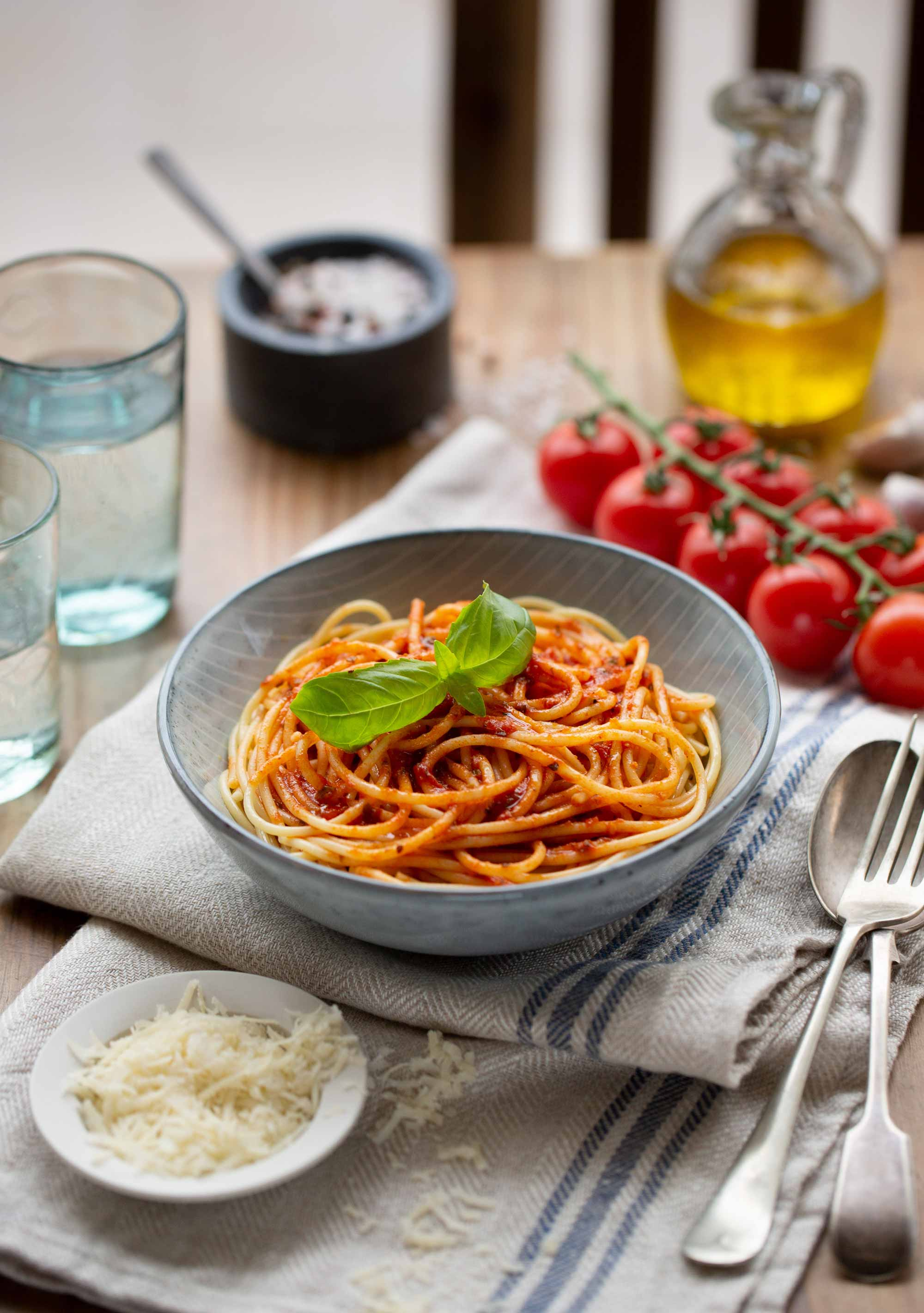 Food photograph of a bowl of pasta