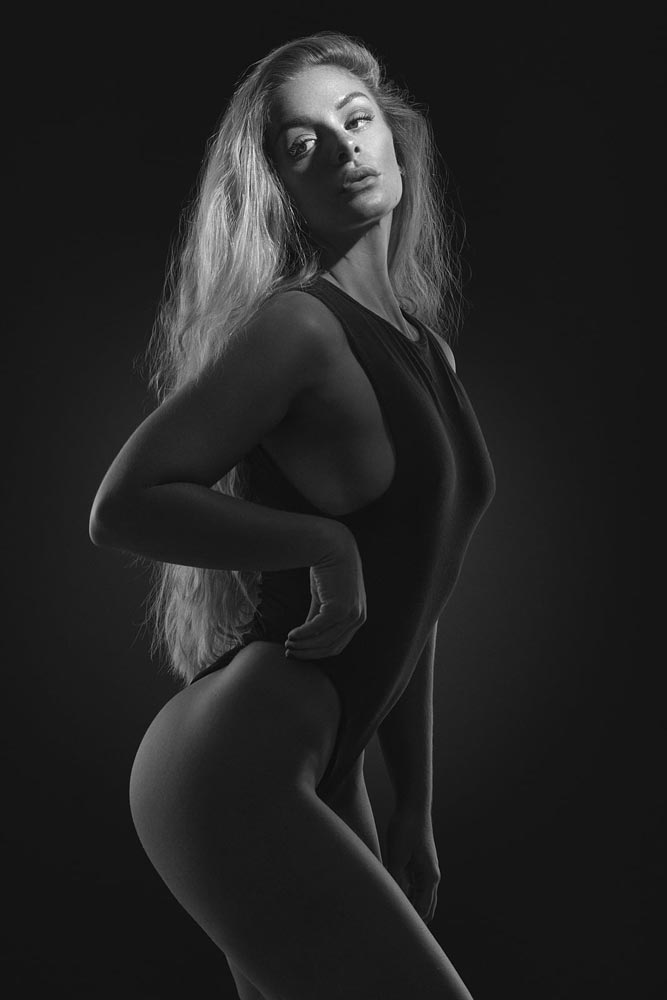 An image of black on black by Denis Lomme