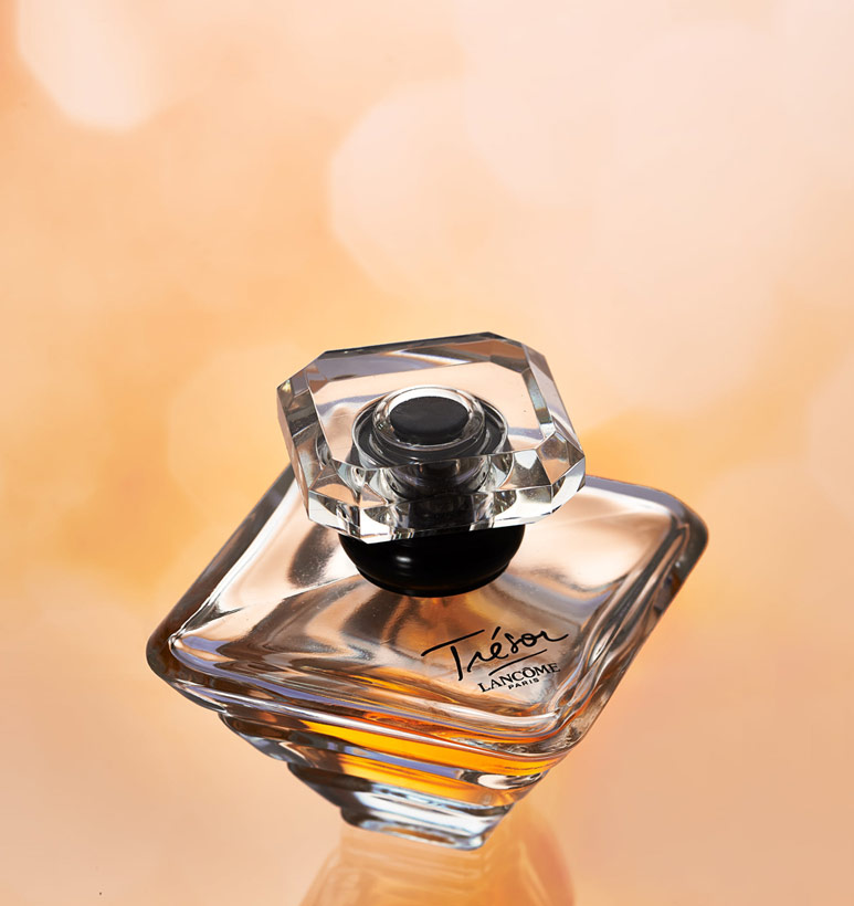 An image of a perfume bottle by Luiz Freire