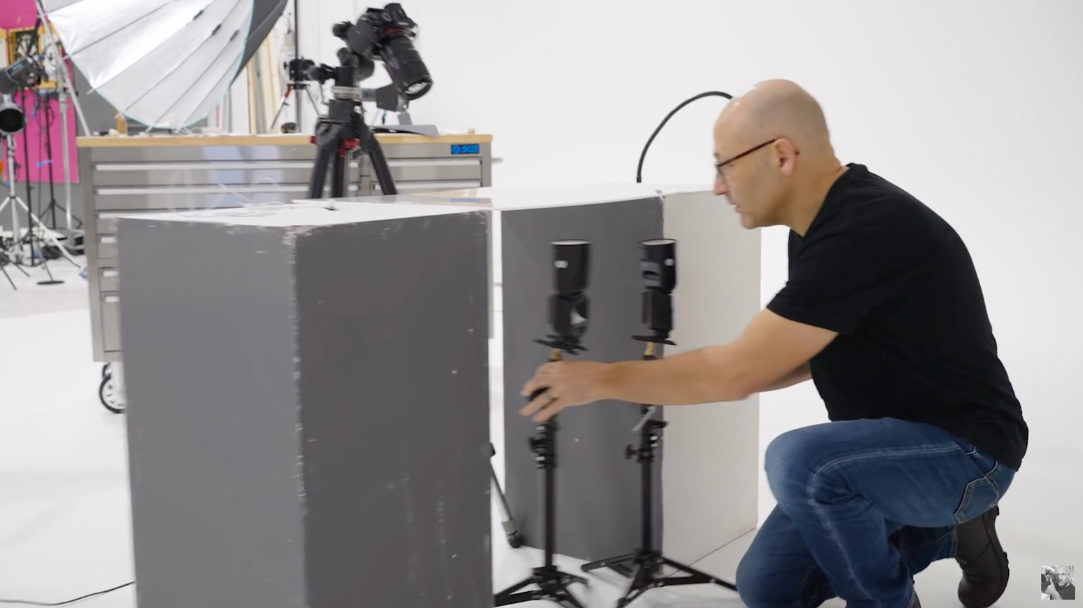 Getting the speedlights in position